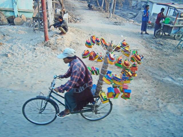 MandalayBoatseller