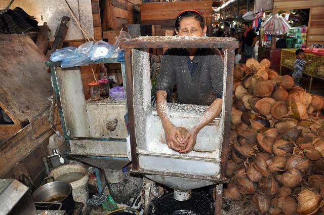 Coconut vendor