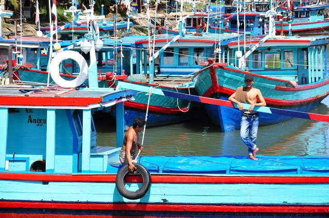 padang river scene_1280s